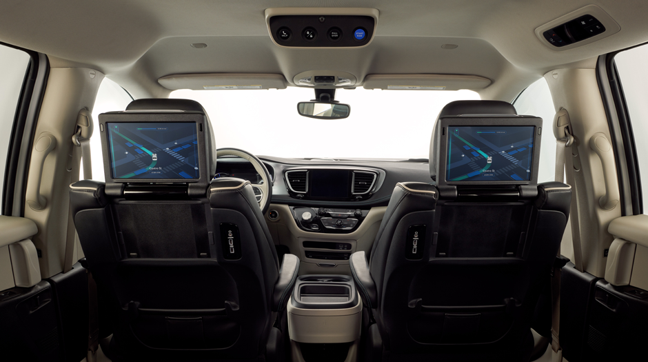 Waymo FCA Fully Self-Driving Chrysler Pacifica Hybrid interiors